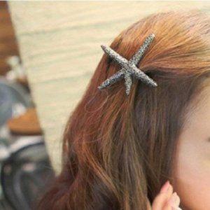 Brandy Melville Antique Gold Starfish Hair Clip